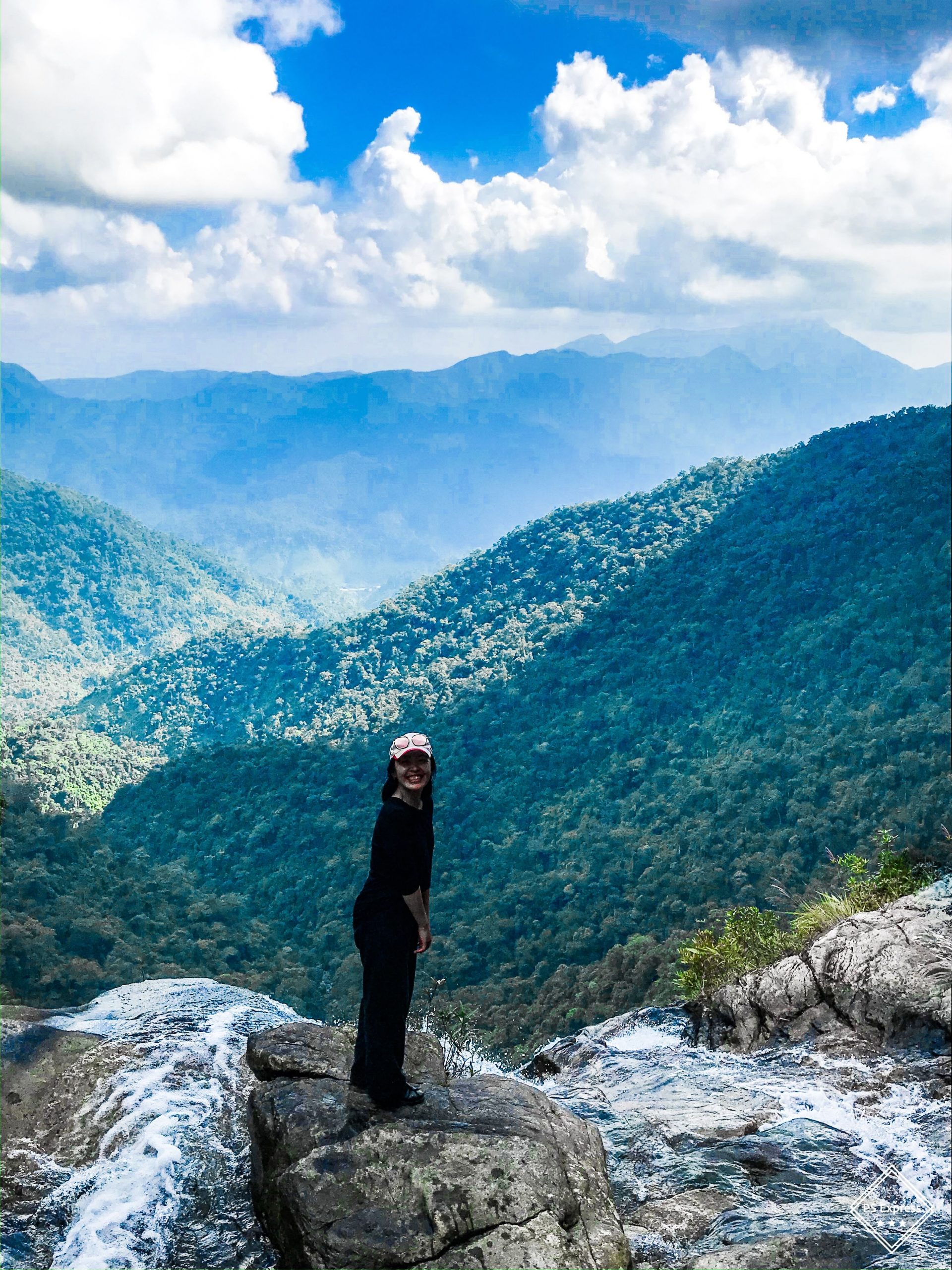 Thác Đỗ QUyên leo núi Bạch Mã