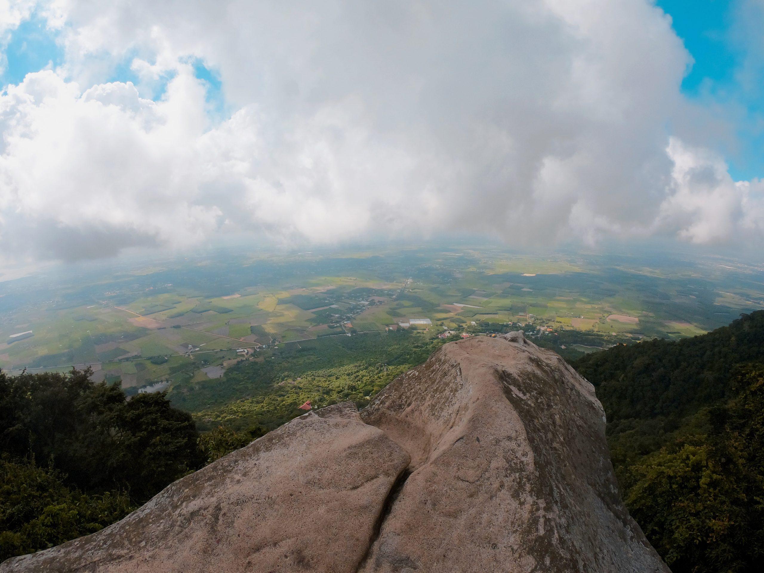 Đường Chùa núi Bà Đen